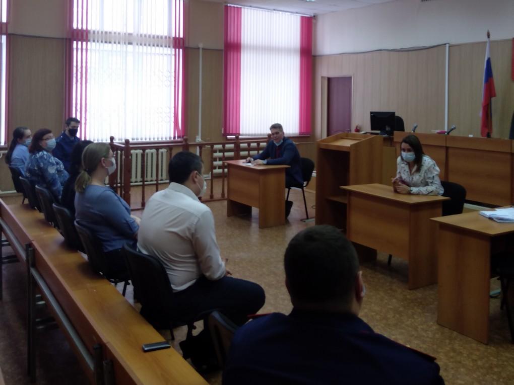 В первой декаде февраля в Красноуральском городском суде прошло рабочее совещание с представителями правоохранительных органов и прокуратуры. Встреча состоялась по инициативе судей.