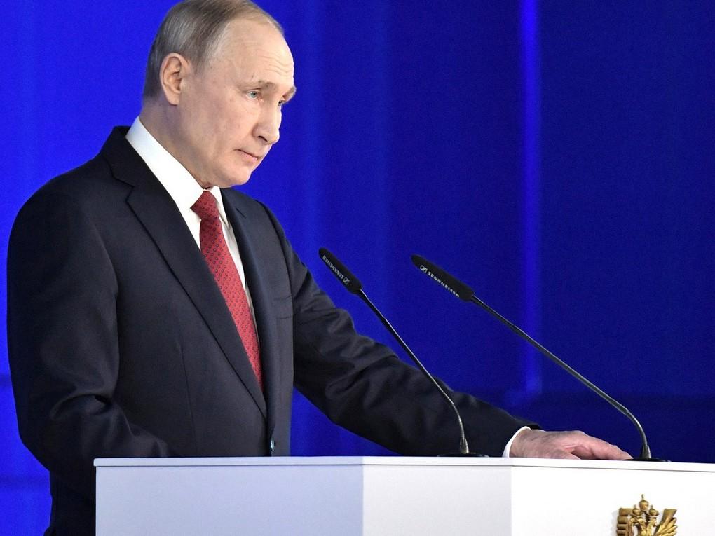 В своем ежегодном послании Федеральному собранию Владимир Владимирович озвучил собственные предложения по единовременной поддержке