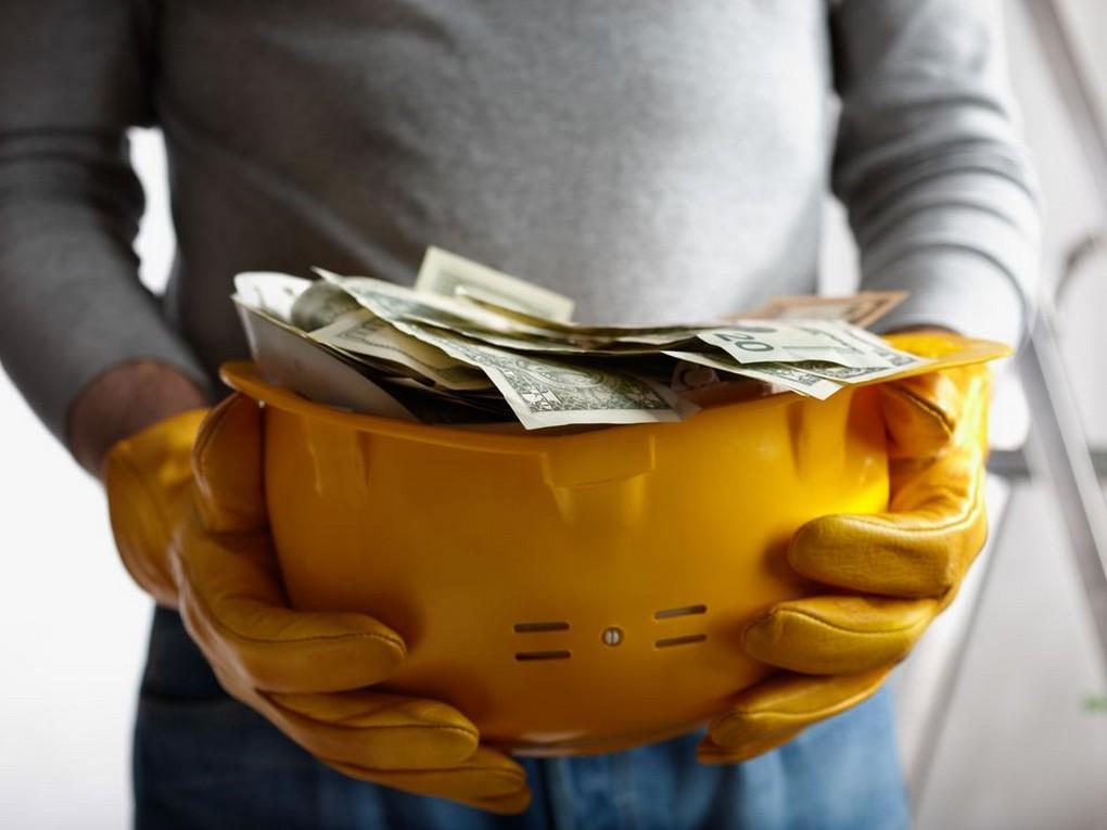 Трудовой кодекс РФ обязывает работодателя проводить мероприятия по охране труда, для этого была разработана программа финансовой поддержки