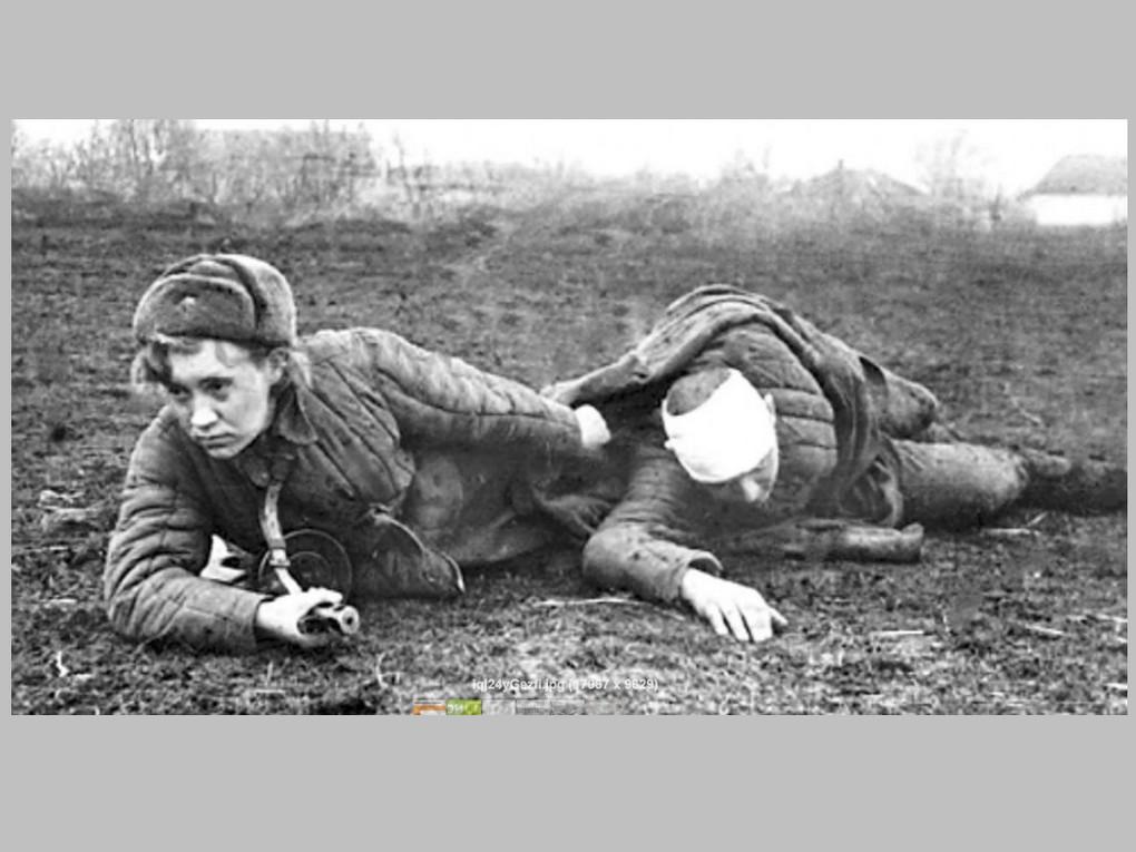 Им всем к началу войны было по 18, максимум - 20 лет. Медсестрички исанинструкторы шагнули в войну буквально со школьной или студенческой