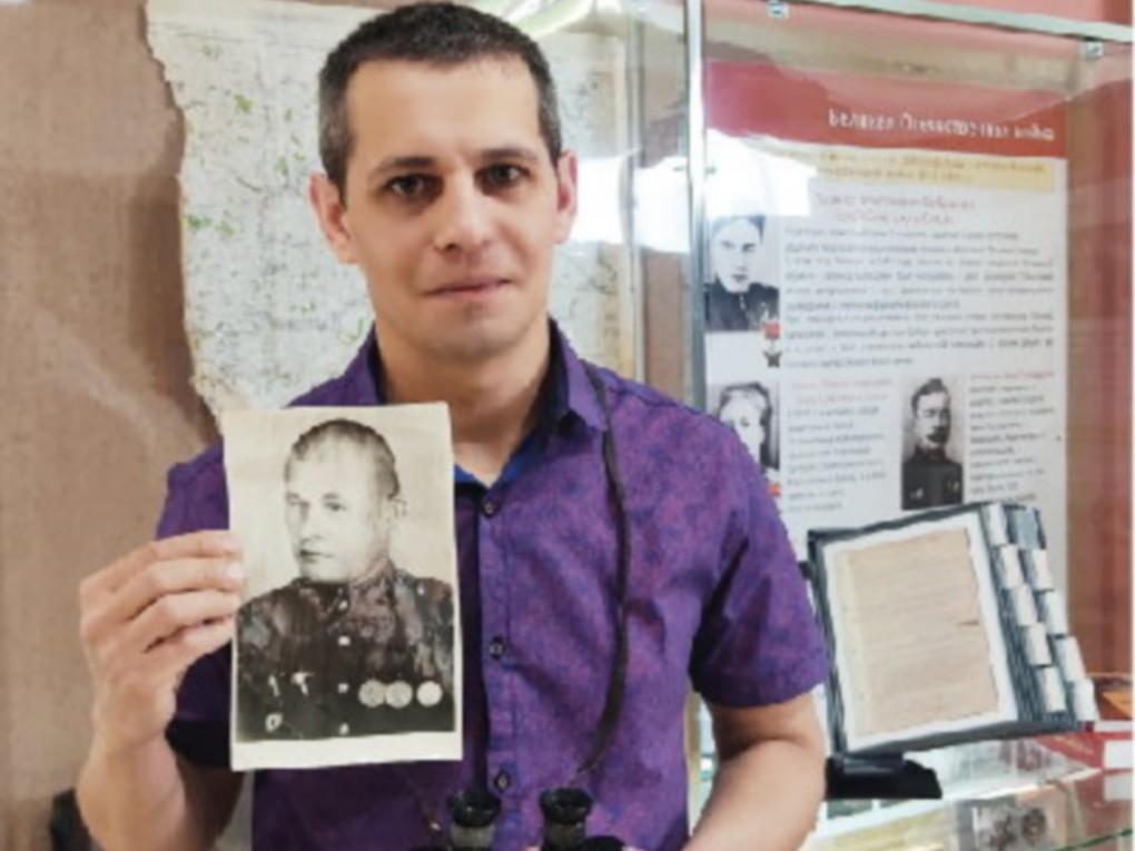 Трофейный бинокль, пожелтевшие фото, а еще истории из военного прошлого – их совсем немного. Эта память о родных – солдатах