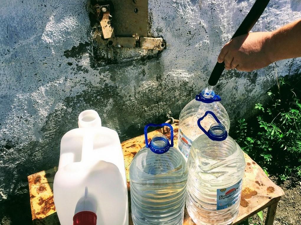 В Кушве вновь заработали скважины. В течение нескольких месяцев МУП КГО «Водоканал» заменил насосы в нескольких скважинах общего пользования.