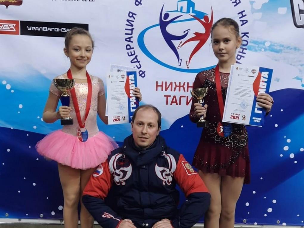 С 12 июля на Ледовой арене Красноуральска проходят тренировочные спортивные сборы юных фигуристов из Екатеринбурга.